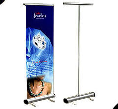 PULL-UP-BANNER-STAND